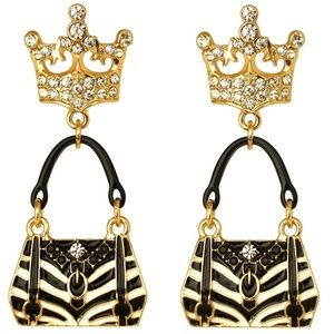 Shopping Bag Black & White Clip Earrings(Goldtone)
